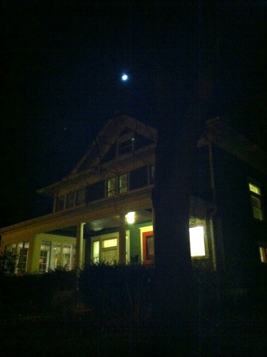 A happy house under a happy moon